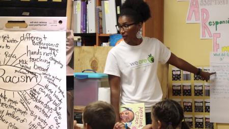 Ronda Taylor Bullock teaches a class of students.