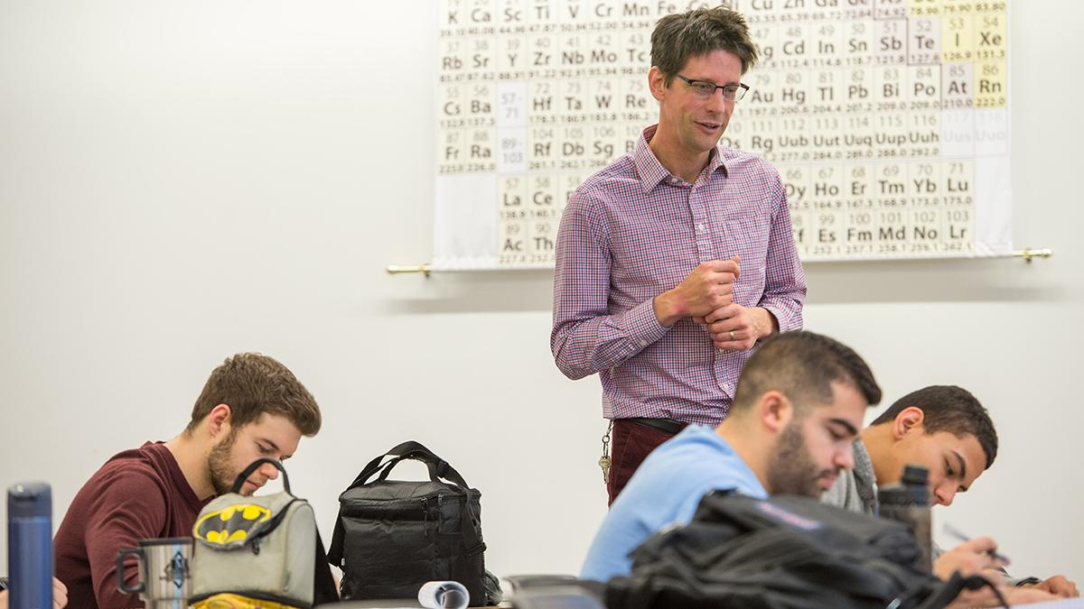 Jeff Johnson teaches a class.