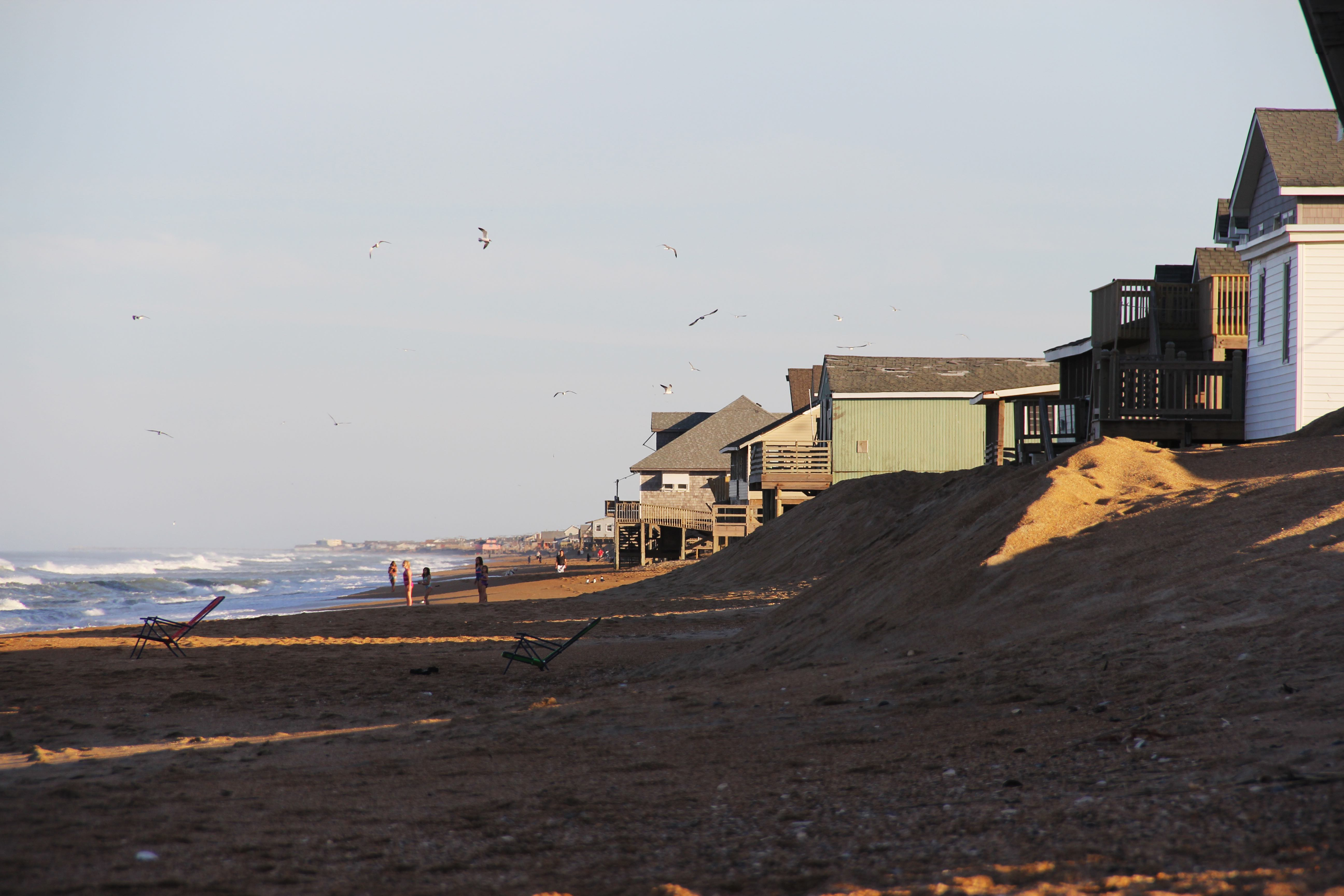 Nags Head houses along the coast