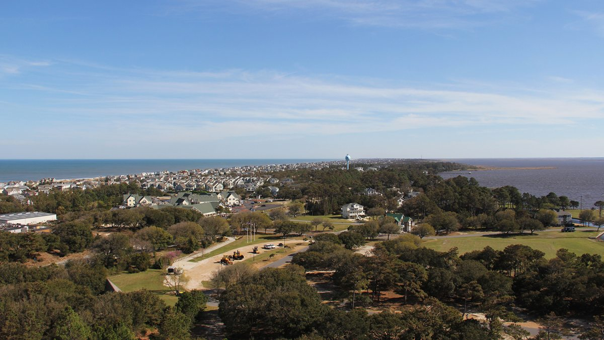 A scenic photo of a coastal community.